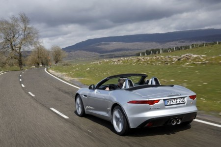 Jaguar-F-Type-V6S-05