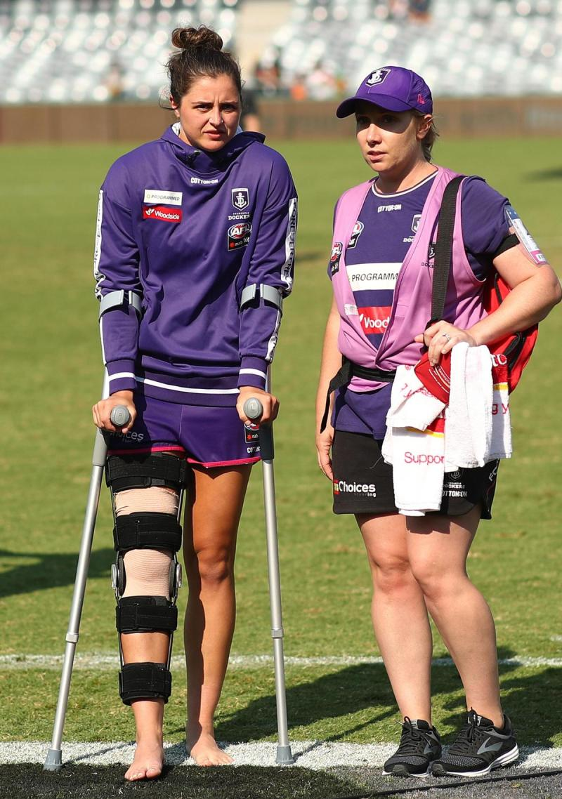 Fremantle key defender Alex Williams has ruptured the anterior cruciate ligament in her right knee.
