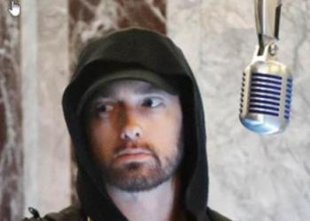 Eminem tweets phone number to his fans