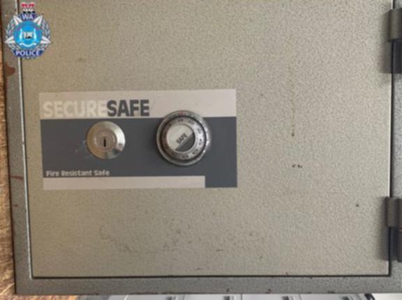 The allegedly stolen safe.