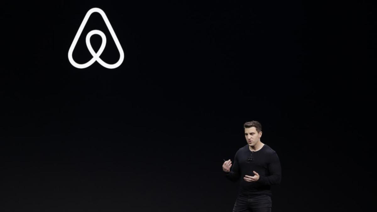 Airbnb to cut 1900 jobs amid travel slump