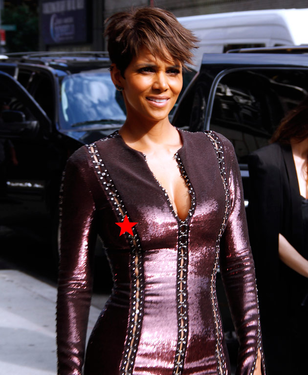 Halle Berry Caught Slippin Photo 1 Tmz Com
