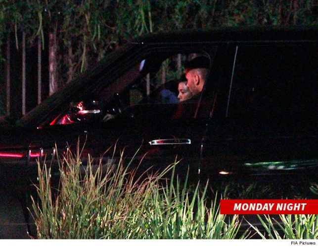 Kardashian Sisters Believe Younes Tipped Off Photogs About Kourtney Meet-Up