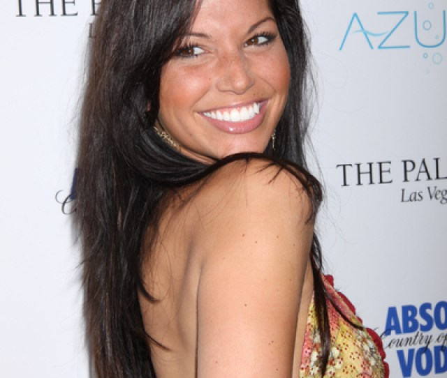 The Bachelors Melissa Rycroft To Host New Show Lets Hope She Keeps Her Natural Makeup Look