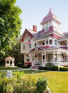 Get the Look  Queen Anne Architecture   Traditional Home   ENLARGE  Kevin Miyazaki  Queen Anne Style