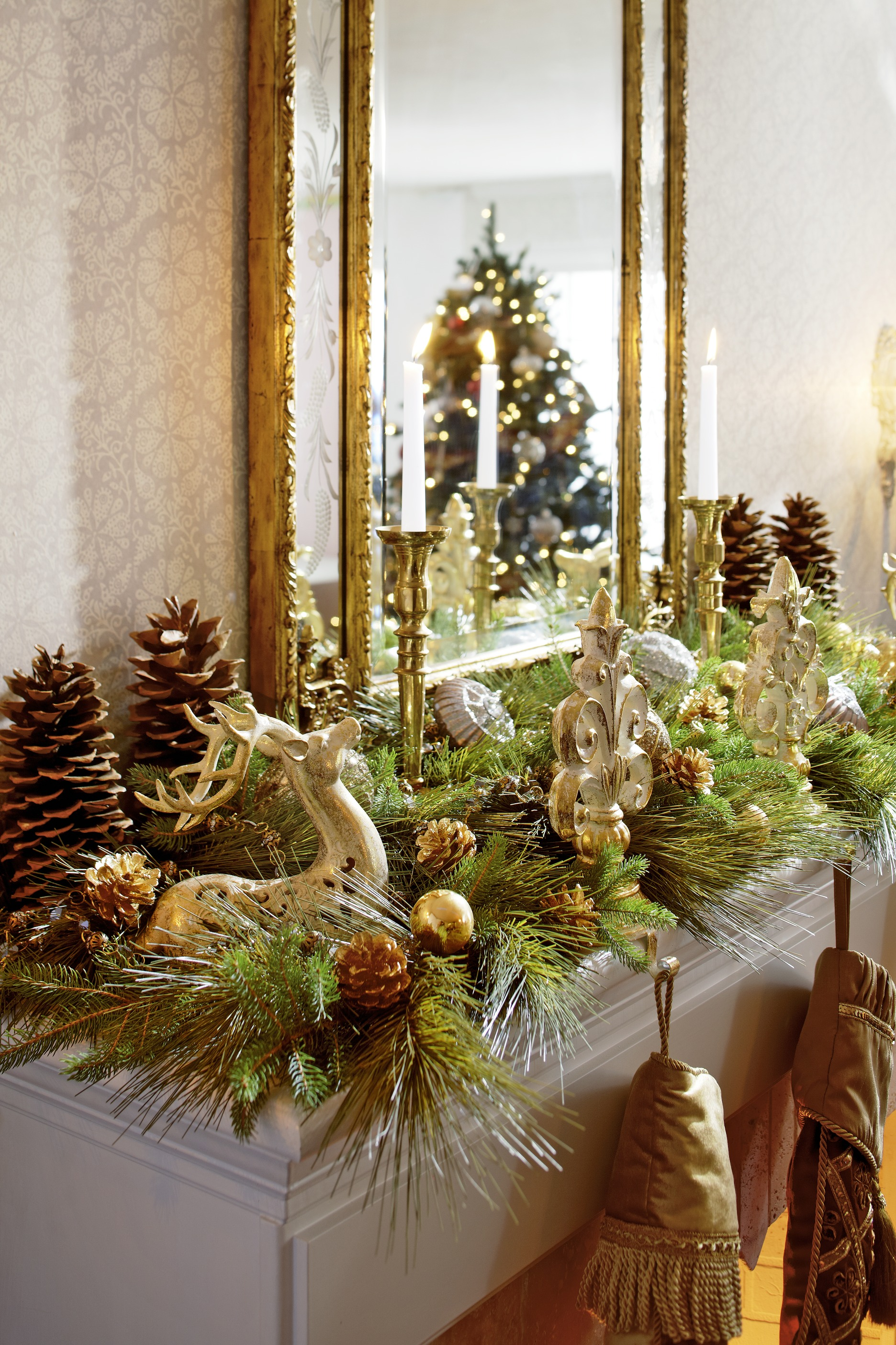 Decorating  Holiday Mantels   Traditional Home   ENLARGE