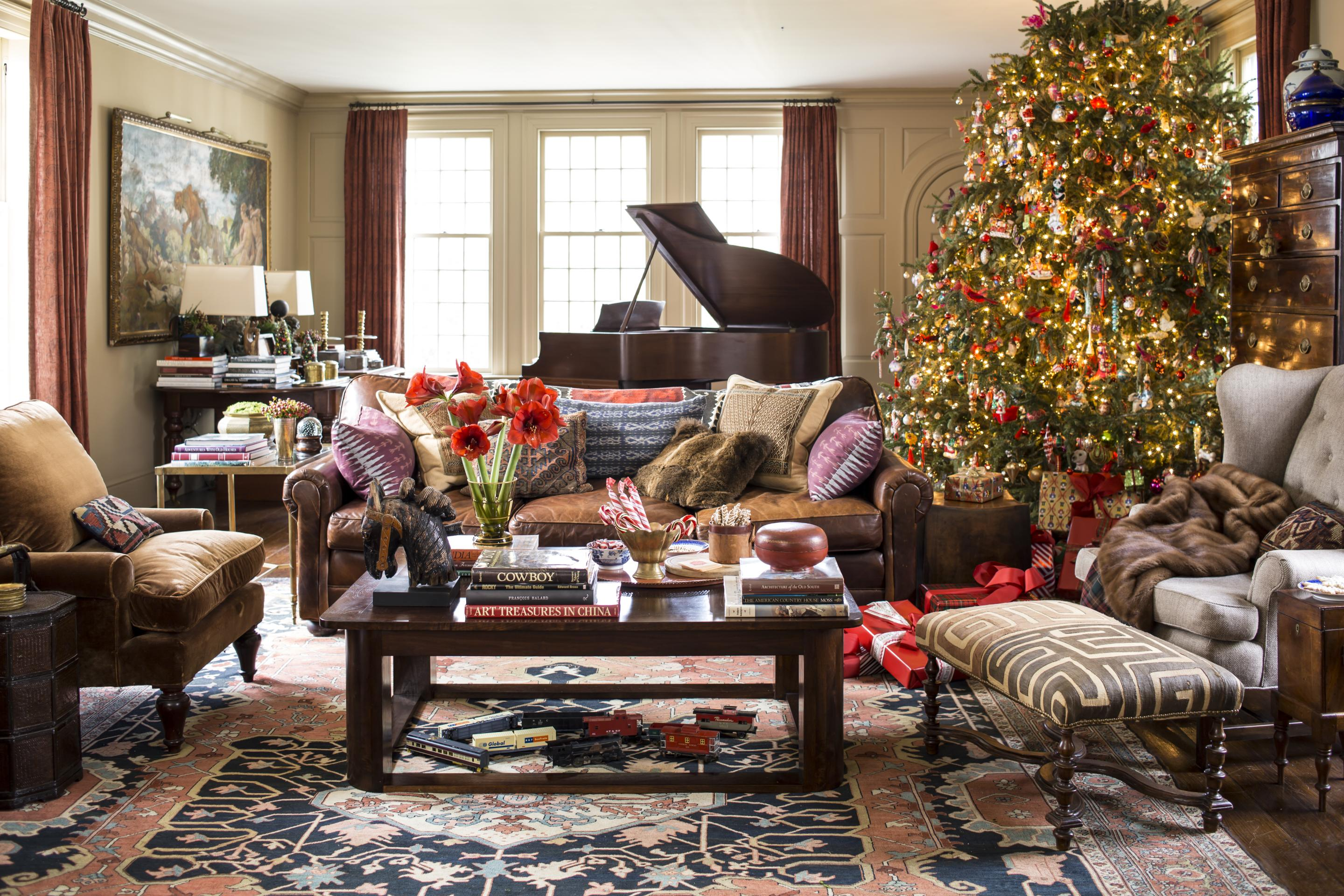 Decorating  Christmas Trees   Traditional Home John Bessler