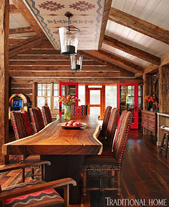 Enormously Appealing Lakeside Summer Cottage Traditional