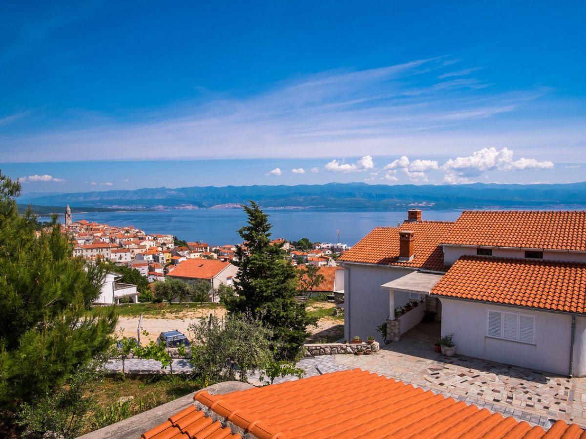 Holiday Apartment Visnja 3 With Fantastic Sea View, Vrbnik