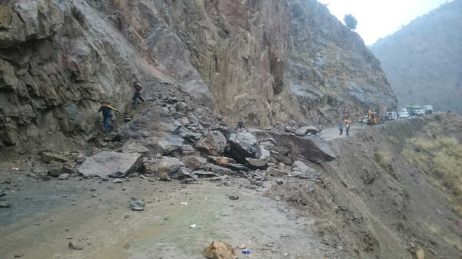 2 killed, 3 hurt as rain triggers landslides in Jammu region