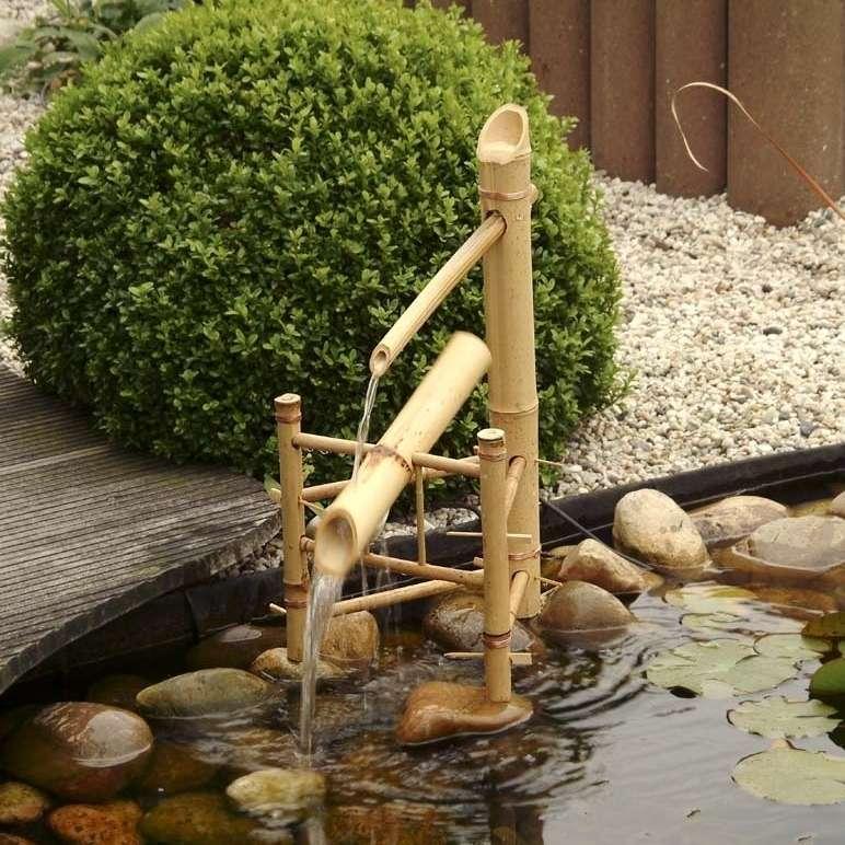 cascade pivotante en bambou pour bassin hauteur 66 cm
