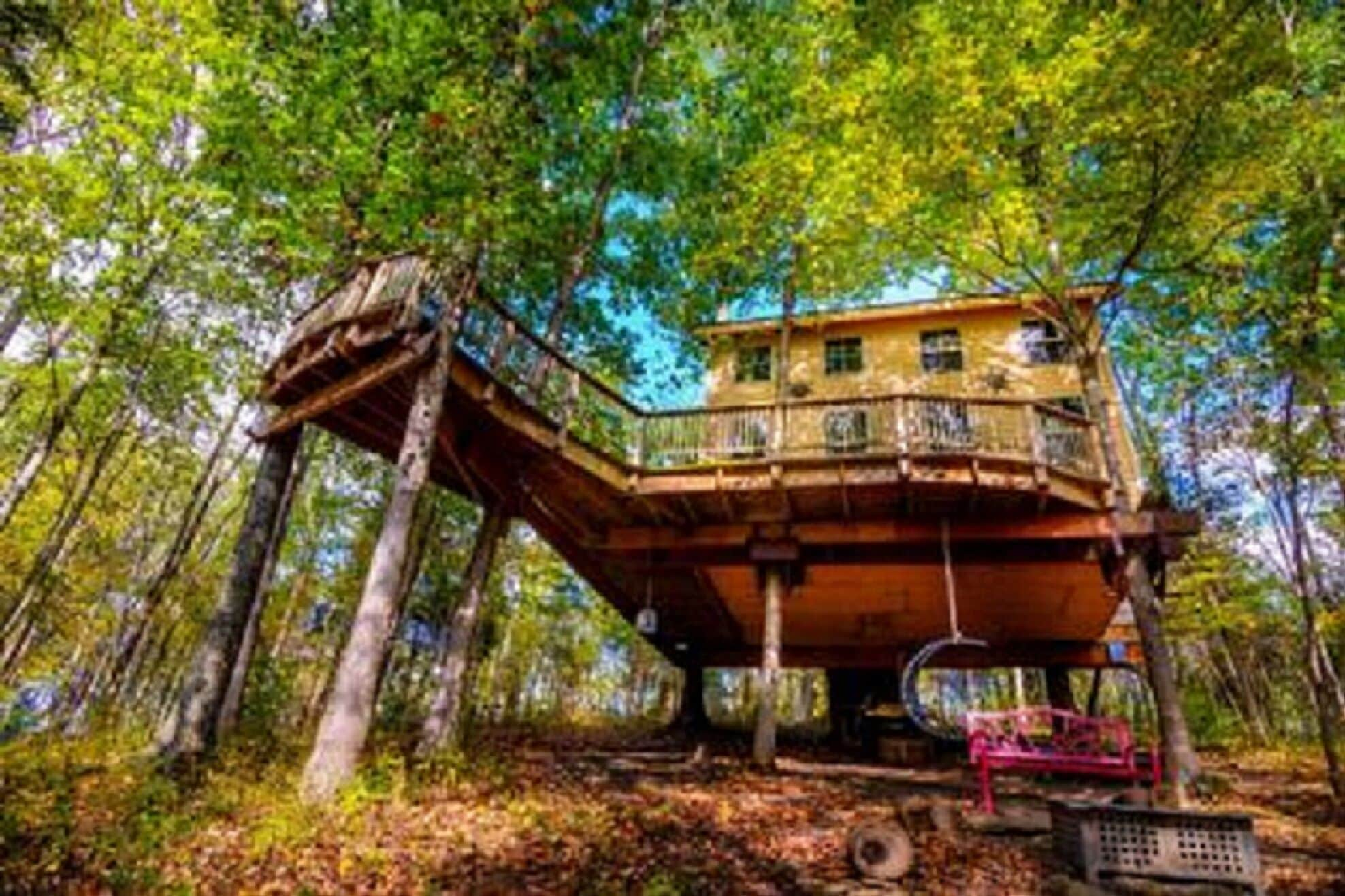 Stay In Tree House Built By Treehouse Master Pete Nelson Off The Grid In Maysville Ky Expedia