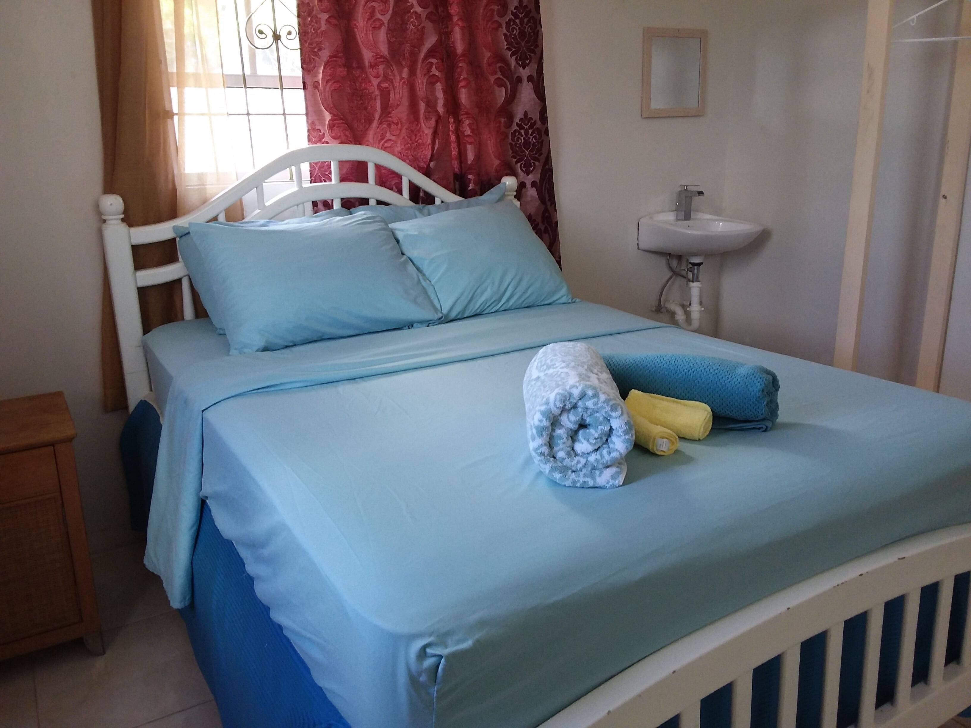 Master Bedroom With A C Perfect Location For Transportation St Lawrence Gap Barbados Expedia Dk