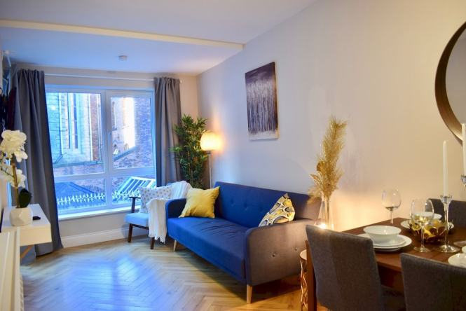 Modern 2 Bedroom Dublin Apartment With Balcony In