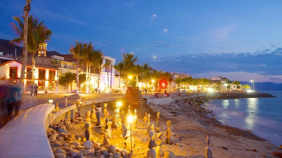 Resultado de imagen para Malecon puerto vallarta