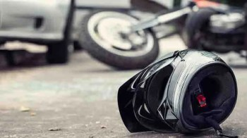 Bike Accident: ডিভাইডারে ধাক্কা মেরে বাইক থেকে ছিটকে পড়লেন দুই যুবক, একাদশীর সকালে বাইপাসে মর্মান্তিক ঘটনা