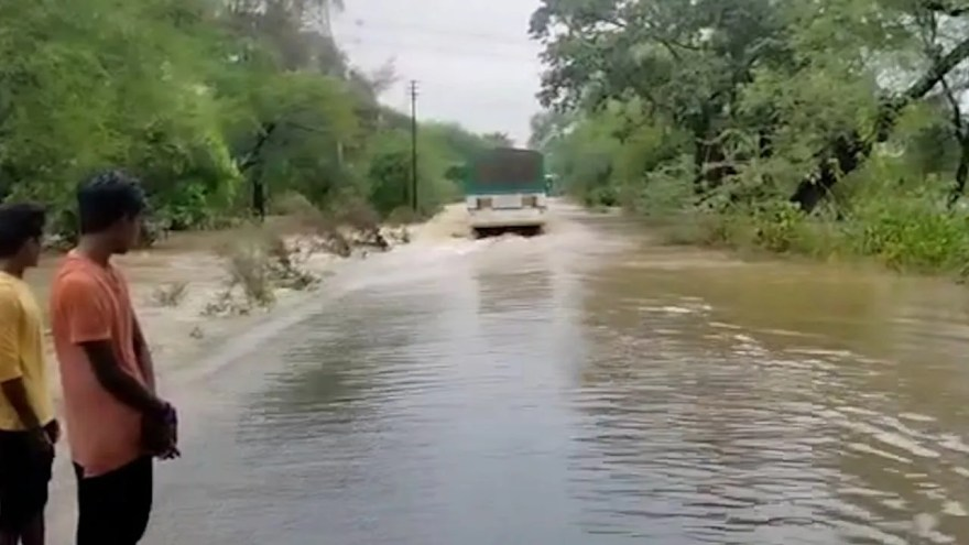 Bus Drowned 2 Min