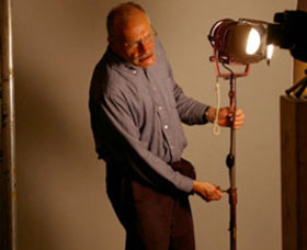 George Kuchar lighting a scene