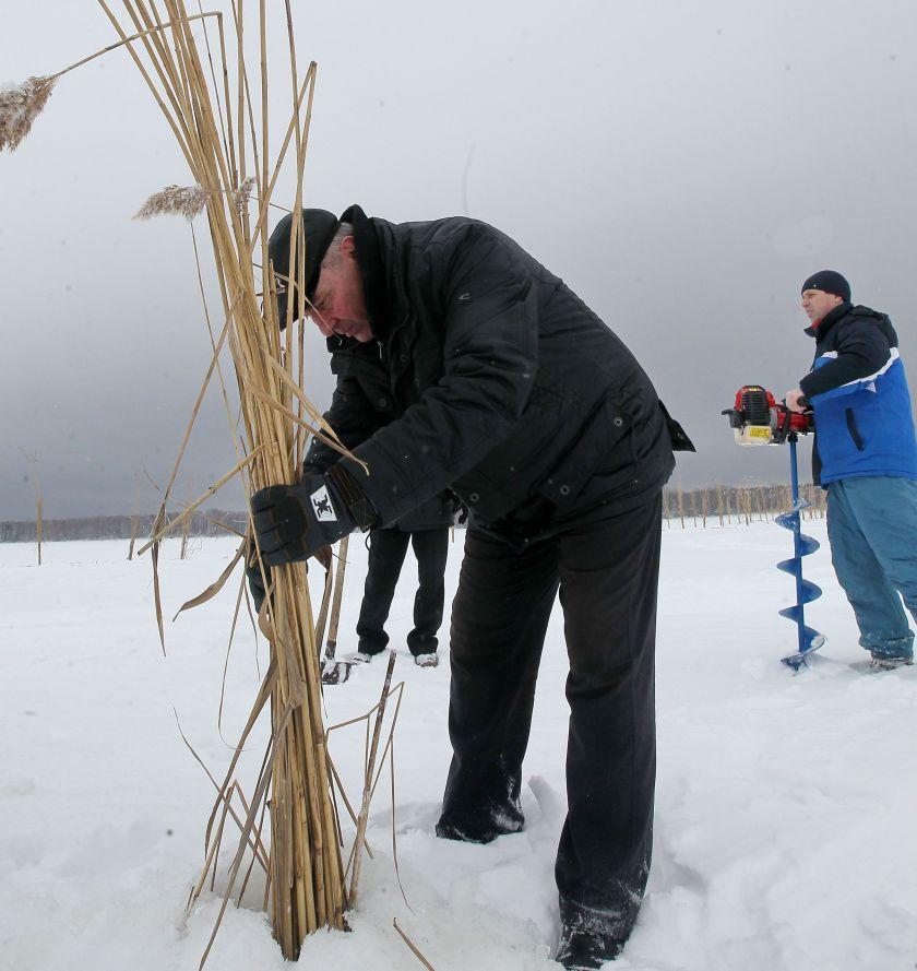 На київському водосховищі рятували рибу / Асоціація рибалок