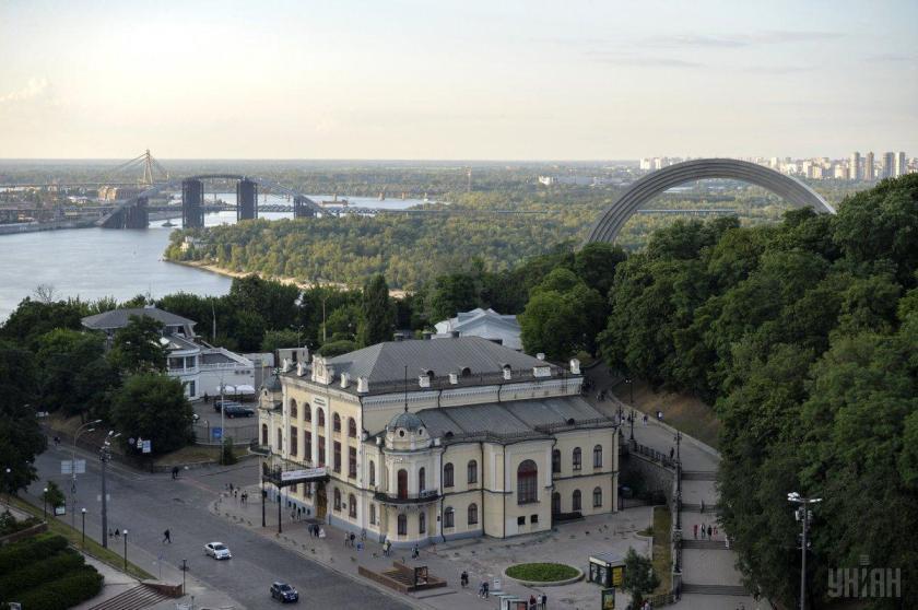 До 3 серпня у Києві спостерігаються метеорологічні умови, які сприяють накопиченню та утриманню шкідливих домішок / фото УНІАН