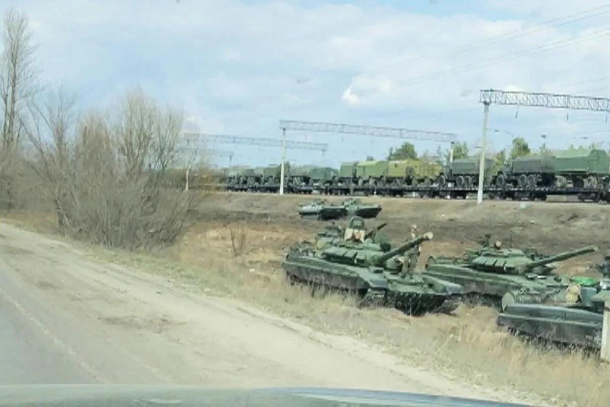 По подсчетам эксперта, Кремль развернул межвидовую группировку до 30 тысяч военнослужащих / Фото: REUTERS