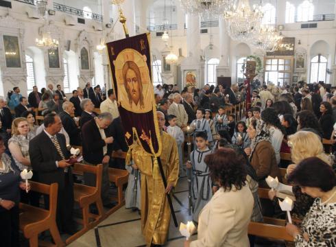 Syrisch-orthodoxe Christen bei der heiligen Ostermesse (Damaskus, 15. April 2012)