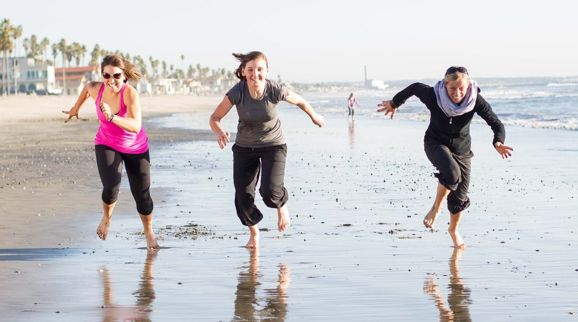 Chloe, Lisa and Trixi get competitive on the beach