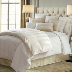 HiEnd Accents Hollywood 4 pc. Comforter Set FB1774-SK-OC