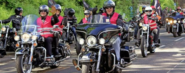 US-Kultbikes der Marke Harley-Davidson eroberten Köln.