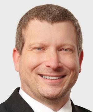 """Michael Münzer, Business Leader Data Center Software & Teamleiter IBM Software bei Axians IT Solution: """"Im Katastrophenfall ist ein Handbuch ein Segen"""" – ausgedruckt und zugänglich!"""