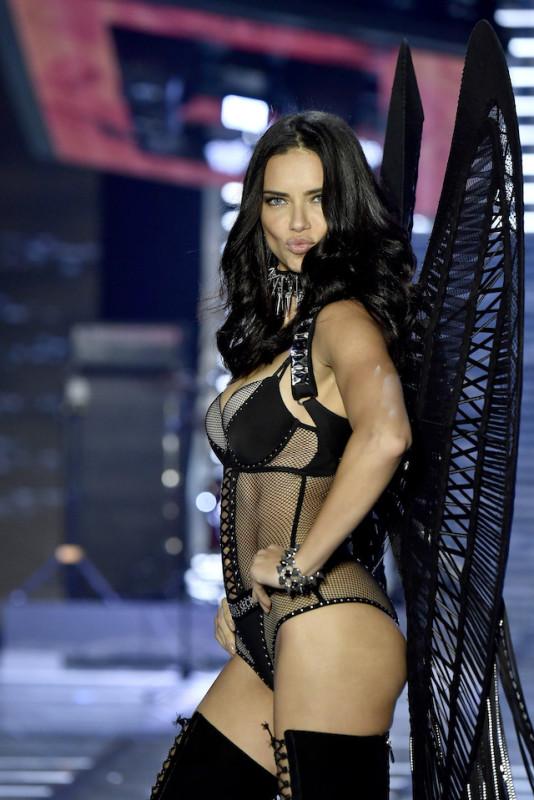 Adriana Lima non sarà più un Angelo di Victoria's Secret?