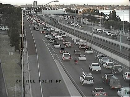 Southbound traffic at Mill Point Road is already backed up due to the closure of the Kwinana Freeway.