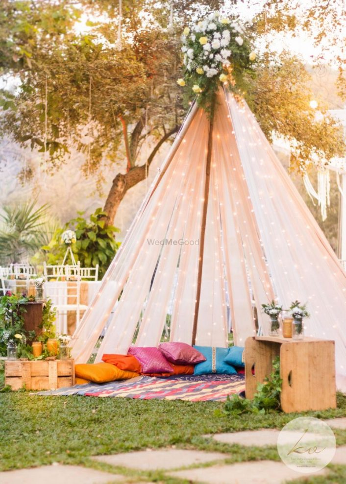 6 New Tent Ideas For Your Mehendi Or Haldi Decor Wedmegood