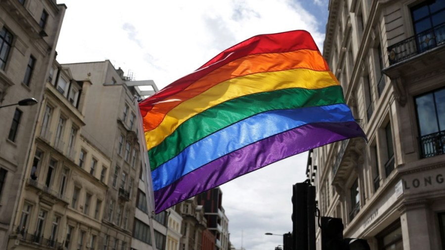 Diritti lgbt+ (La presse) File photo dated 25/6/2016 of a rainbow flag. More than a third of lesbian, gay, bisexual and transgender (LGBT) people have hidden their identity at work for fear of discrimination, a report says. PRESS ASSOCIATION Photo. Issue date: Thursday April 26, 2018. Research by Stonewall found the figure was even higher among trans staff, at 51%. See PA story INDUSTRY LGBT. Photo credit should read: Daniel Leal-Olivas/PA Wire