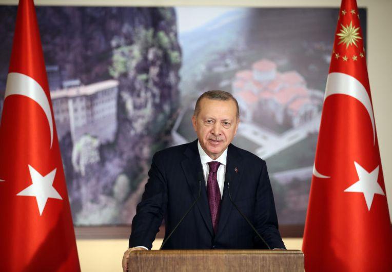 La Turchia ha approvato una legge che limita fortemente i social media - Wired