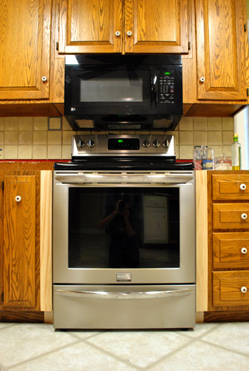Perfect Filling Gaps Around The Stove With Trim & Other Little Things  DA19