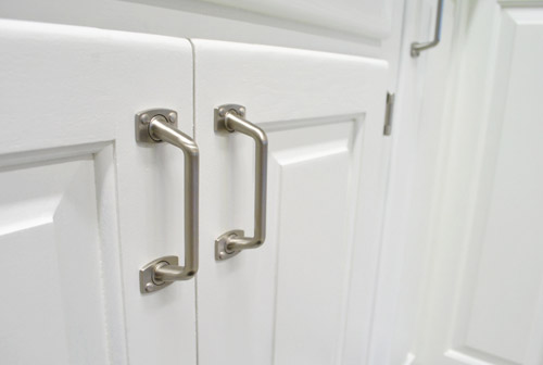 paint kitchen cabinets white with nickel hardware
