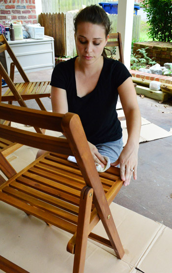 Protecting Outdoor Furniture With Varnish And Teak Oil