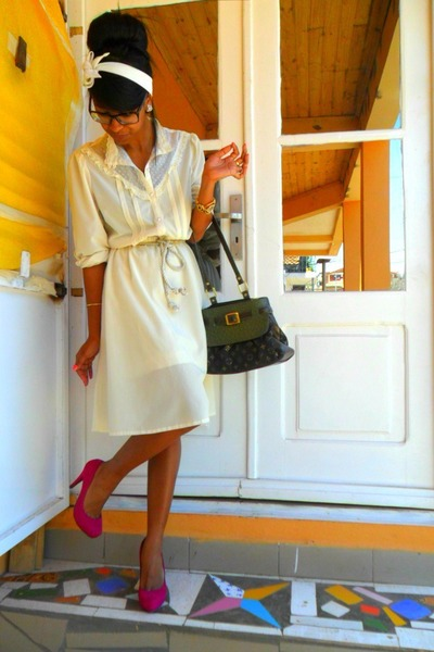 Ivory-missoni-dress-dark-green-louis-vuitton-bag_400