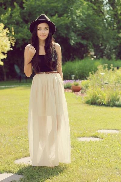Dark-brown-forever-21-hat-black-garage-top-ivory-miss-patina-skirt_400