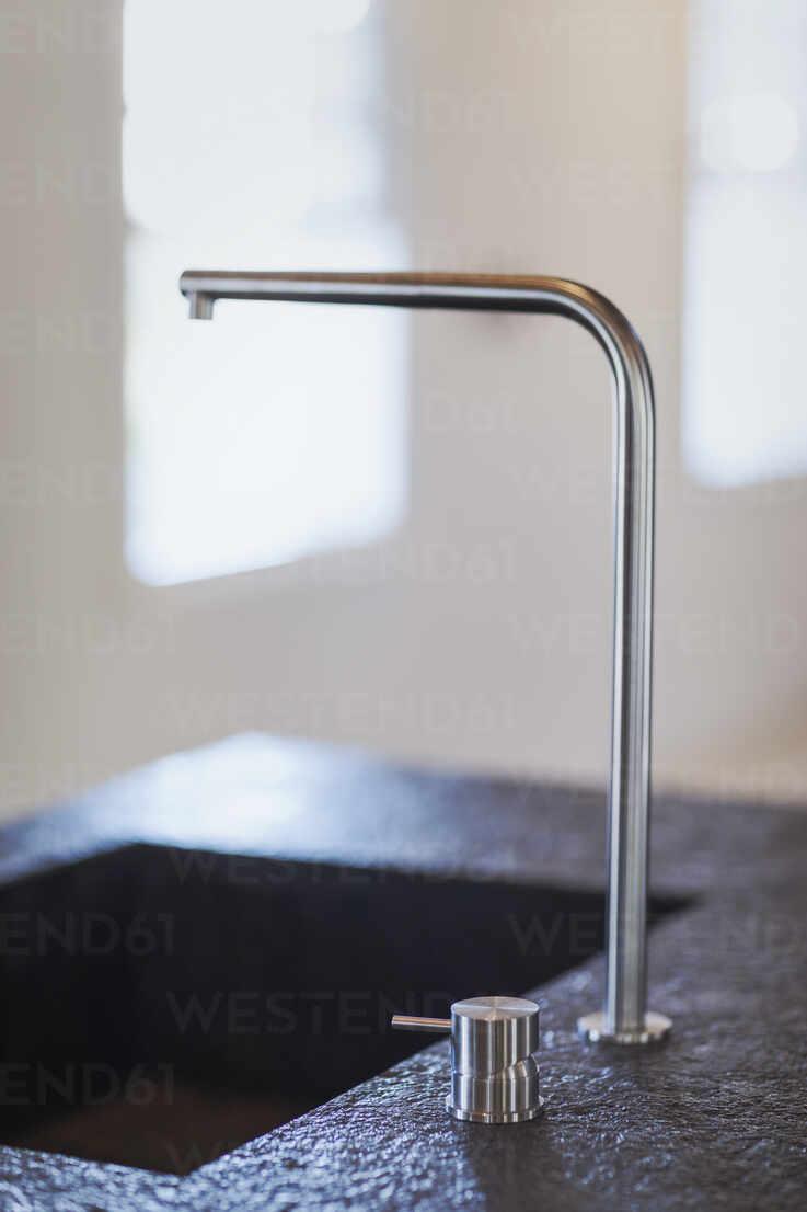https www westend61 de en imageview hoxf05276 modern kitchen sink faucet
