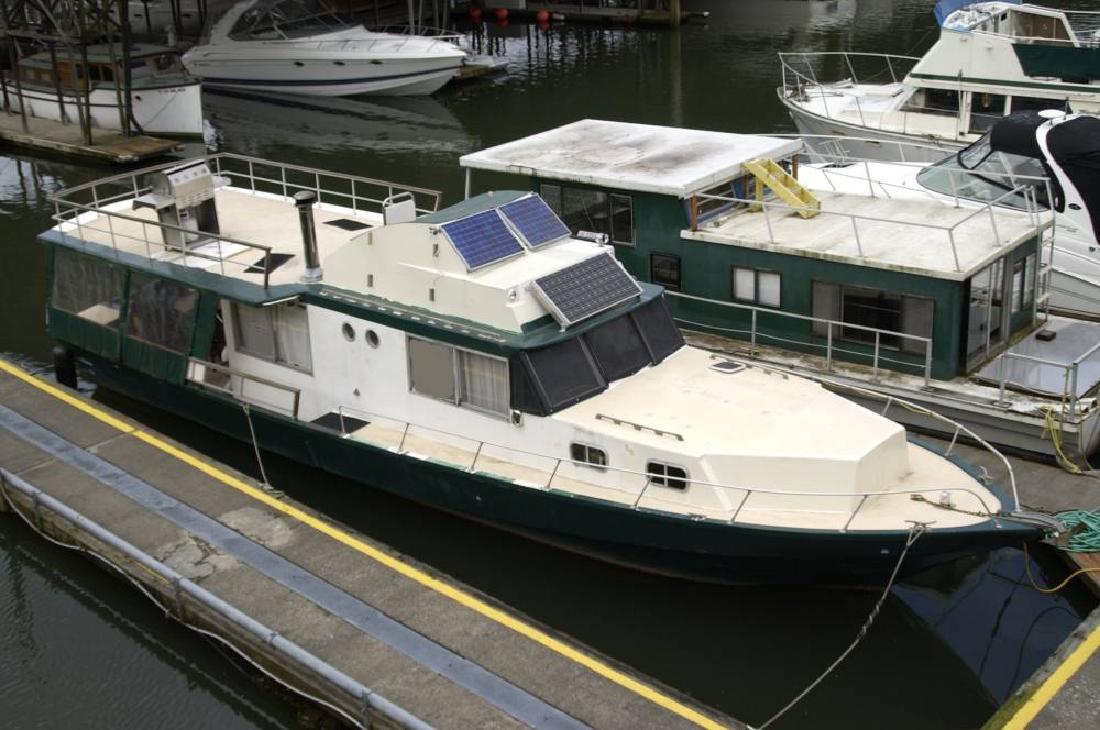 1969 47 Kenner Boats Suwanee 47 Houseboat Cabin Cruiser