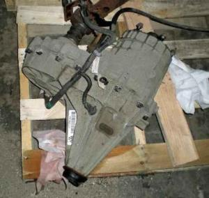 NP246 GM TRANSFER CASE & FRONT DIFFERENTIAL off a 2003 Chevrolet Silverado 2500 for Sale in