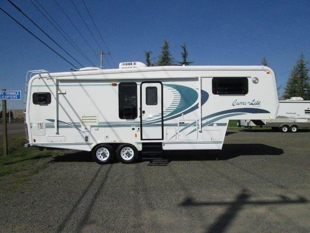1999 Carriage Carri-Lite Fifth Wheel...1-owner...28ft With