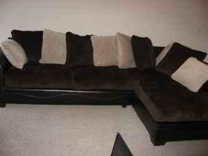 Ashley Furniture Victory Chocolate Sectional W Pillows