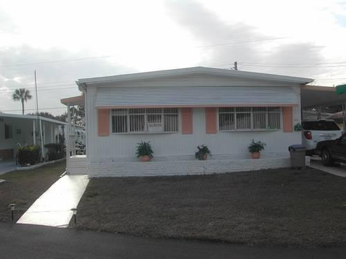 Double Wide Mobile Home In Lakelands Imperial Manor 55