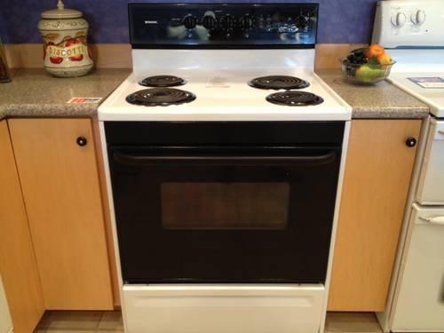 Frigidaire Black Amp White Electric Range Stove Oven USED