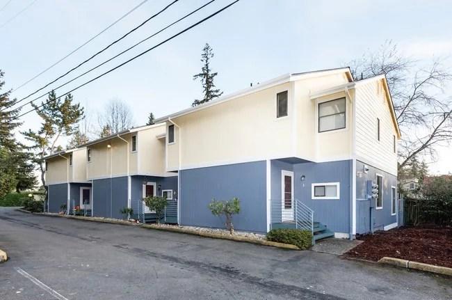 Gateway Townhomes Apartments - Seattle, WA