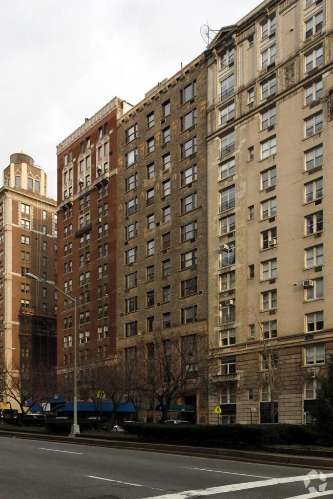 Primary Photo Park Avenue Apartments