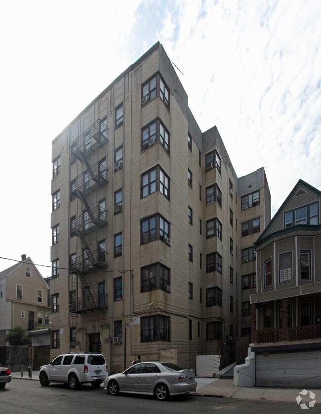 2965 Valentine Ave Bronx NY 10458 Rentals Bronx NY